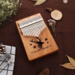 Reindeer Pattern Kalimba 17 Keys Thumb Piano Mahogany Wood Musical Instrument – Brown